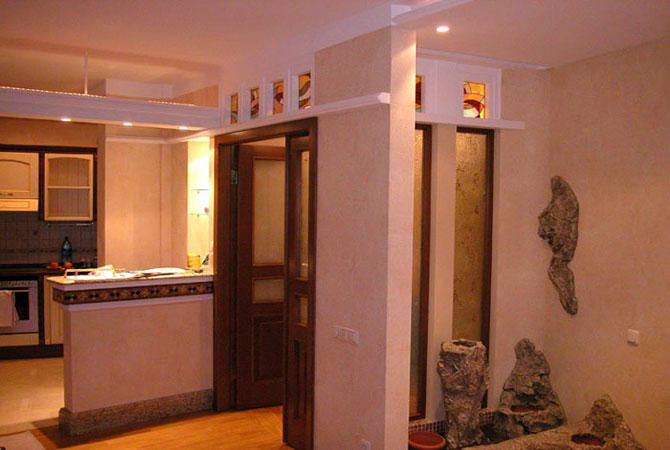 отделка арки плиткой в квартире